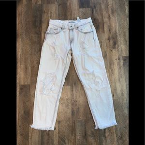 ❌CLEARANCE❌4for$10❌Zara Basic Distressed Jeans❣️